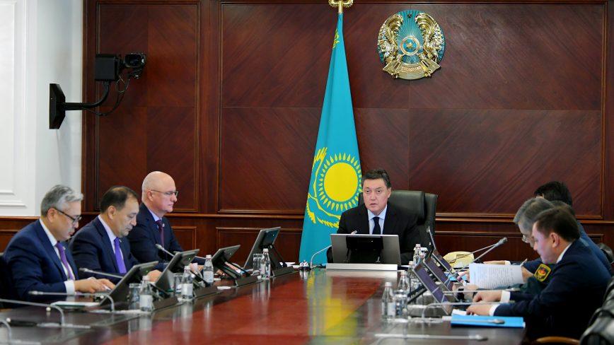 Карантин объявят в Алматы и Нур-Султане
