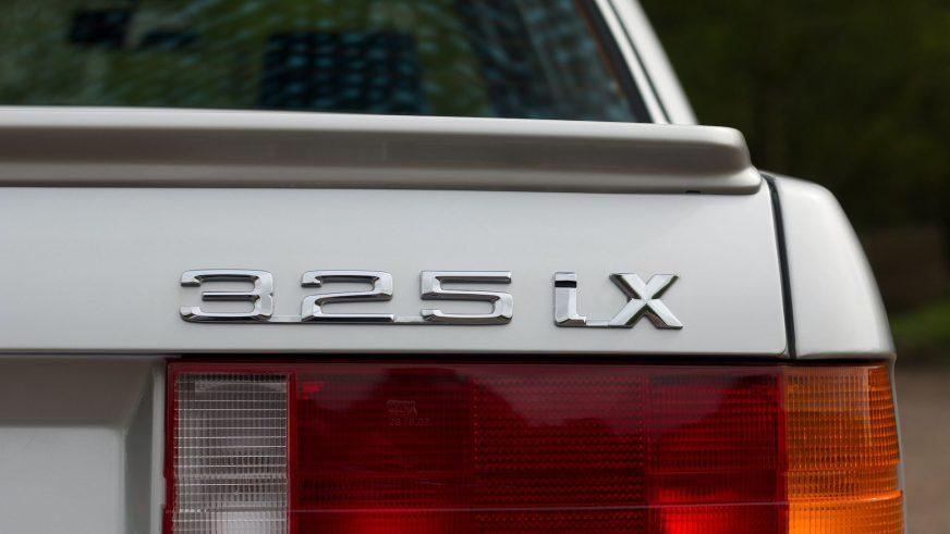 Почти 60 тысяч долларов просят за BMW E30