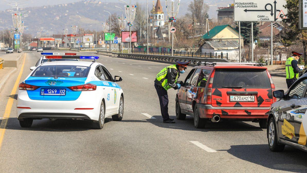 Кому разрешат передвигаться по Алматы и Нур-Султану, станет известно 15 апреля
