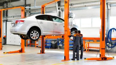 Магазины запчастей, СТО и автосалоны освободили от налогов и сборов на полгода