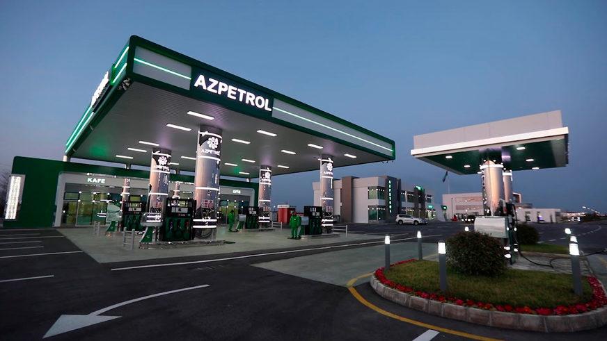 В Казахстане бензин немного подешевел, а как обстоят дела у соседей?