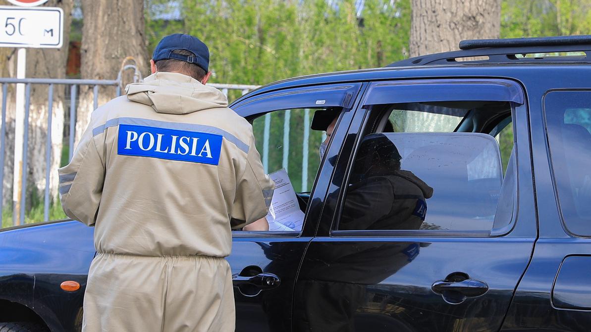 Работникам из области открыли въезд в Алматы