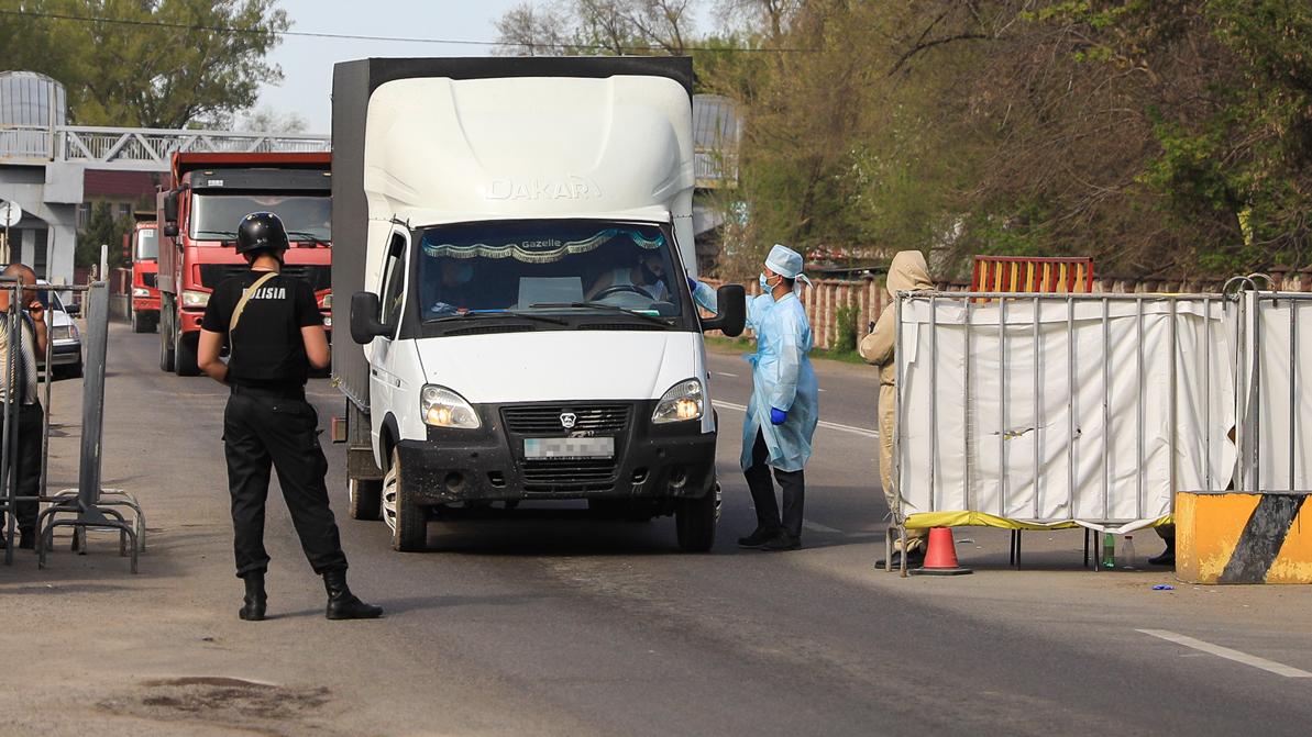 Токаев: Карантин в Казахстане будут снимать постепенно