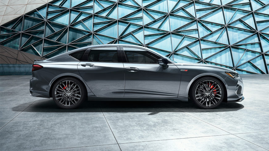 Acura TLX добавили эмоций и водить её будет приятнее