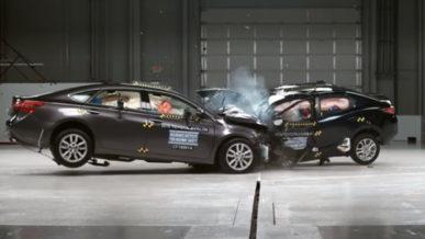 IIHS выяснил, насколько компактные авто опаснее крупных