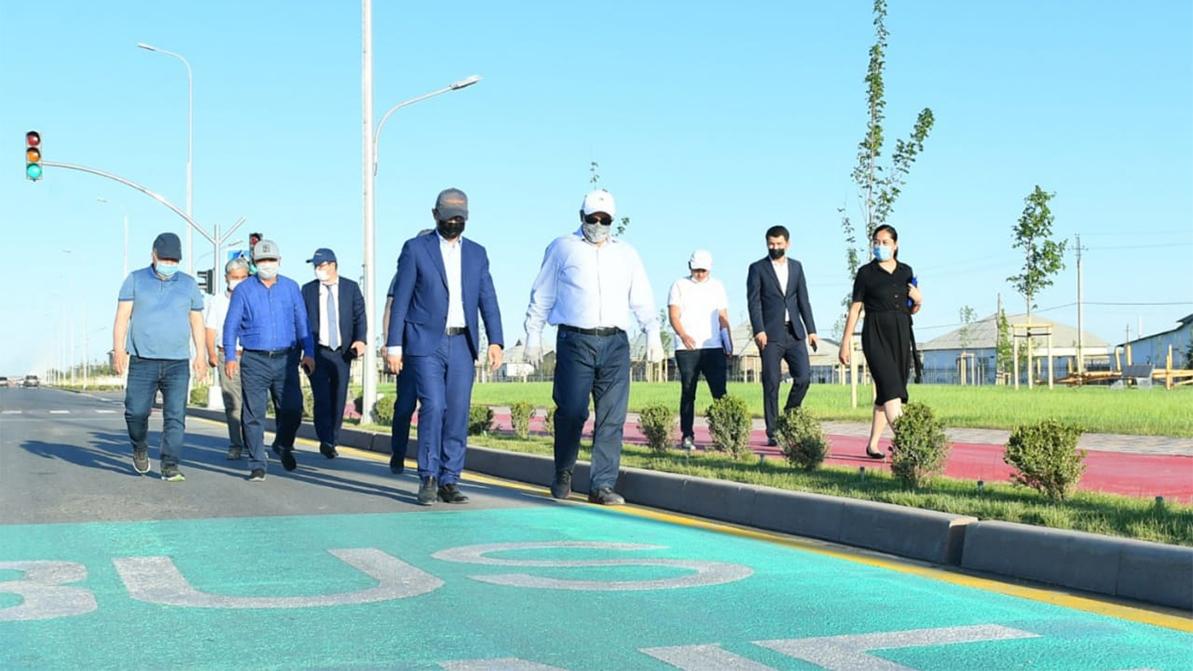 В Туркестане на выделенки пустят инвалидов и электромобили. Похоже, местные чиновники придумали свои ПДД