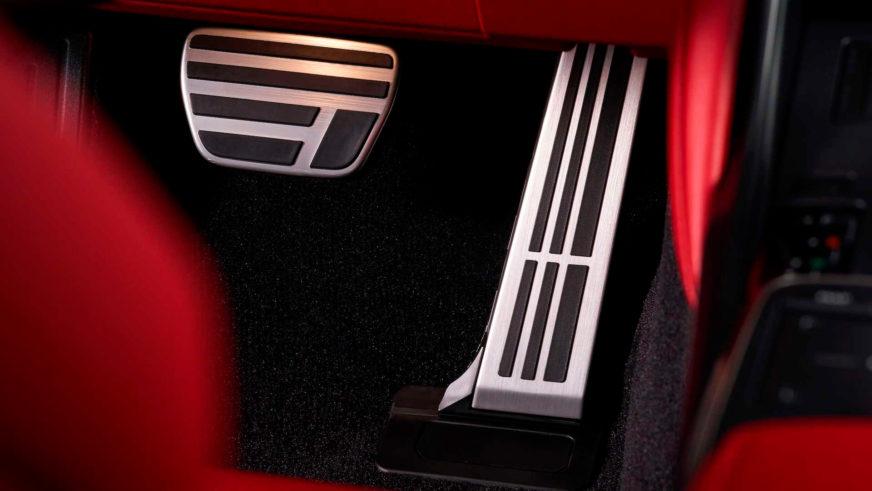 Lexus IS: рестайлинг вместо нового поколения