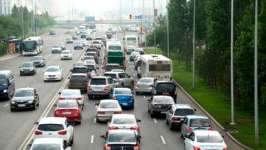 В Нур-Султане запретили ездить на своих автомобилях 20 и 21 июня
