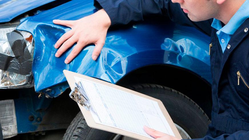 Автомобили пострадали при прорыве теплотрассы в Алматы: как возместить ущерб?