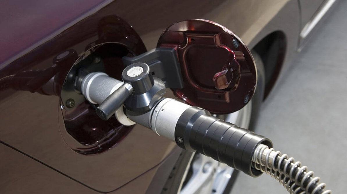 Цены на газ на заправках вновь отпустят в свободное плавание
